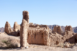 Many old oasis towns like Adam or Manah were built with clay - viele alte Oasenstädte wurden mit Lehm errichtet