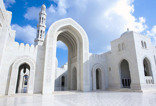 Sultan-Qaboos-Grand-Mosque